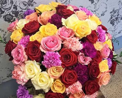 Morsiuskimppu 1. Rakkauden ruusut
