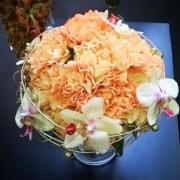 Pöytäasetelma 6. Hempeät orkideat
