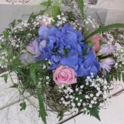 Kukkakimppu 1. Augusta